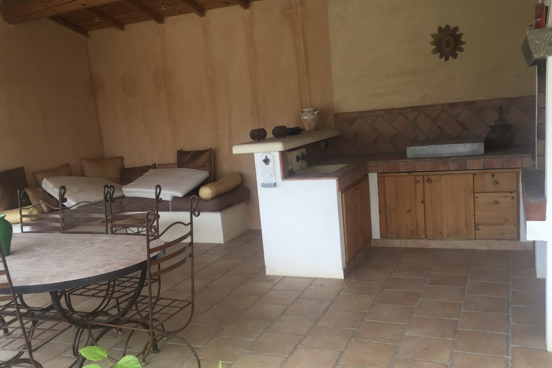Pool house et barbecue